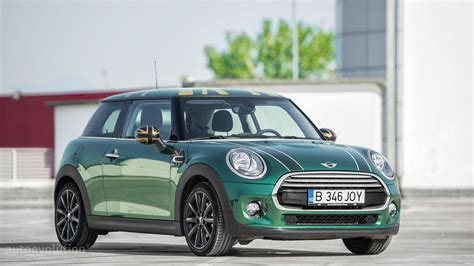 2015 MINI Cooper HD Wallpapers: British Racing Green Goes