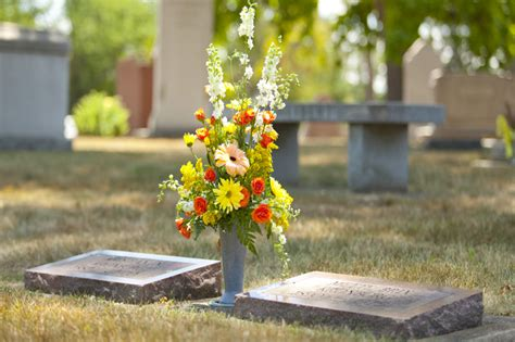 Flowers For Cemetery Vases by Foreversafe Cemetery Vases Replacement Cemetery Vases