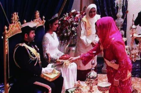 wallpaper anak johor perkahwinan tengku mahkota johor holidays oo