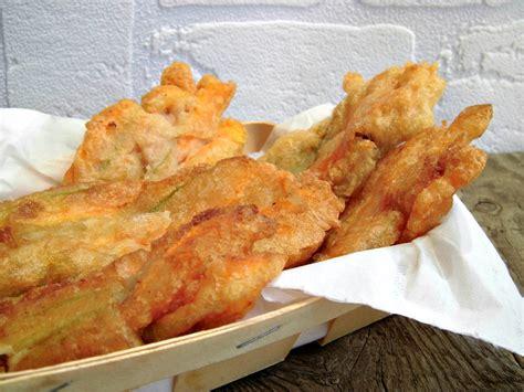 fiori di zucca fritti con uovo fiori di zucca fritti con mozzarella ed alici home sweet