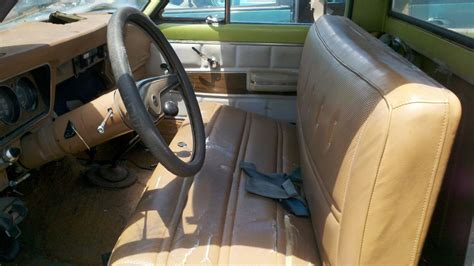 Jeep J10 Interior Junkyard Find 1975 Jeep J10 The About Cars