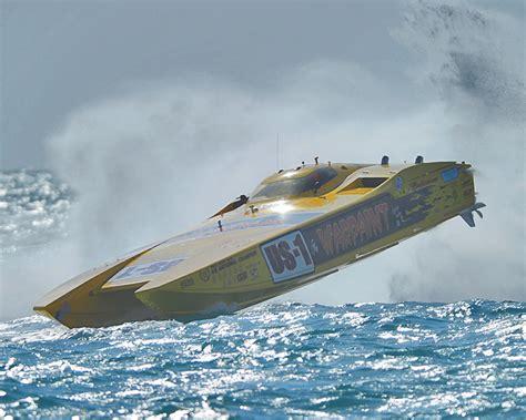 cigarette boat races key west nikon miami key west offshore racing team warpaint crash