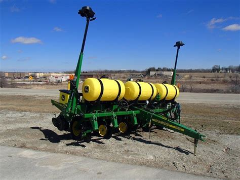 Row Crop Planter by Usagnet Deere 1750 Row Crop Planters For Sale