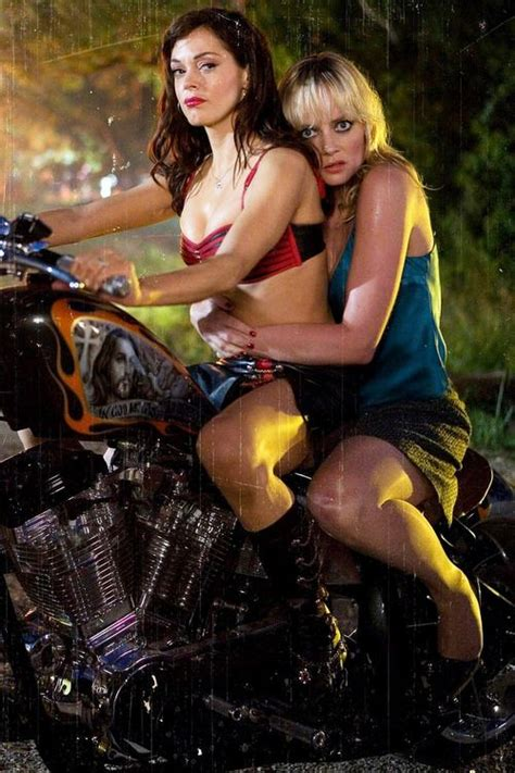Mcgowan Cops A Feel On Rosario Dawson by 109 Best Images About Marleyshelton On Lake