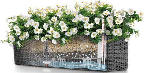 blumen bewässerung im urlaub bew 228 sserungssystem balkon balkon bew sserungssystem
