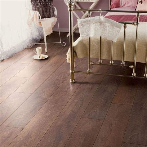 Amadeo Shire Oak Effect Laminate Flooring 2.22 m² Pack