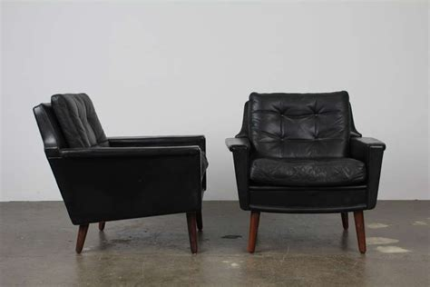 Leather Mid Century Chair by Pair Of Black Leather Mid Century Modern Lounge
