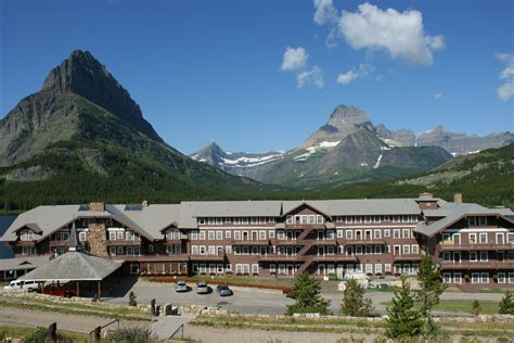 glacier inn many glacier hotel m a n i f o l d design and development