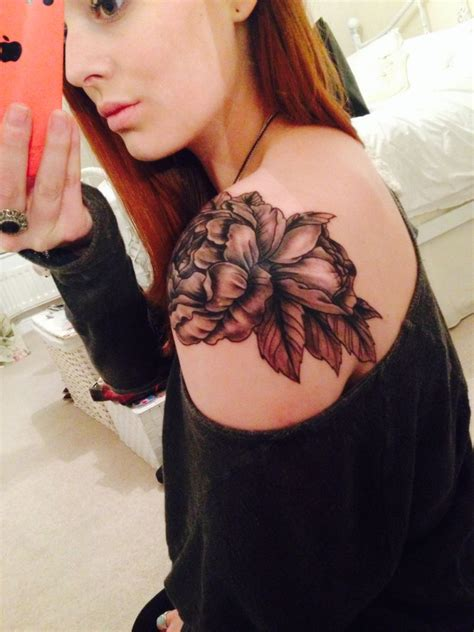 tattoo hours shoulder love my new peony shoulder cap tattoo two and a half