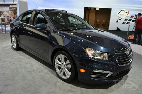 2015 chevrolet cruze at 2014 new york auto show 2015 chevrolet cruze at 2014 new york auto show front