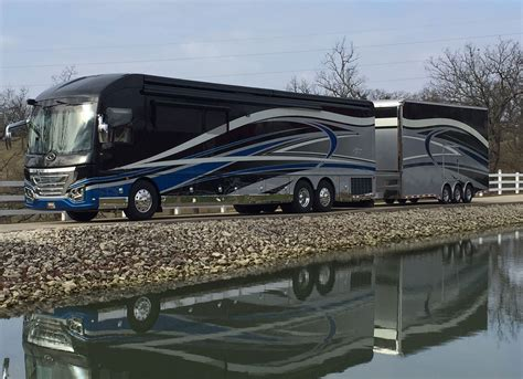 prevost for sale on pinterest luxury rv coaches for 2016 american heritage 45t 6883 featherlite prevost