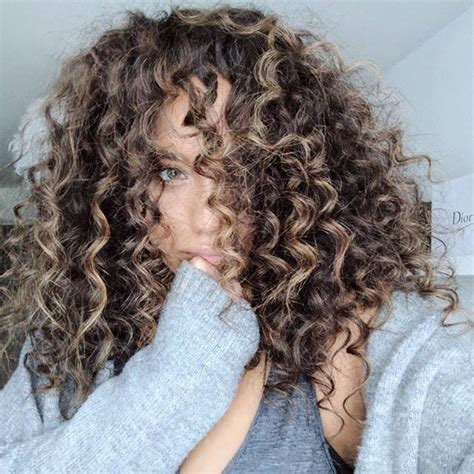 Hairstyles With Chopstick Curls | wild thing think i luv u snapchat beautyntheblog colour