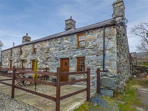 Portmeirion Cottages To Rent by Cwm Yr Afon Cottage Pet Friendly In Llanbedr