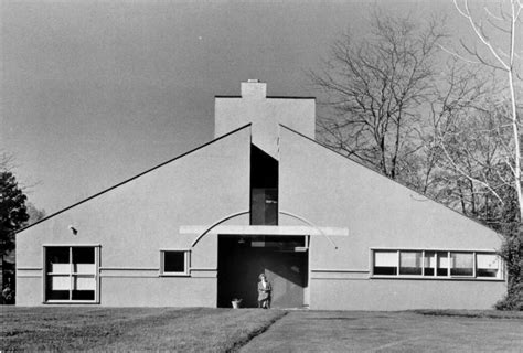 vanna venturi house interior the story behind the vanna venturi house uncube