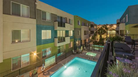 equity appartments lindley apartments encino 5536 lindley avenue