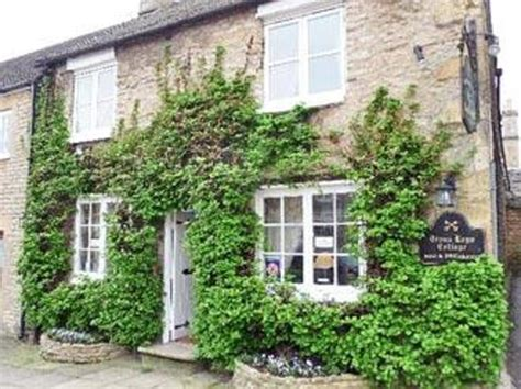 best bed and breakfast in new england cross keys cottage stow on the wold cotswolds updated