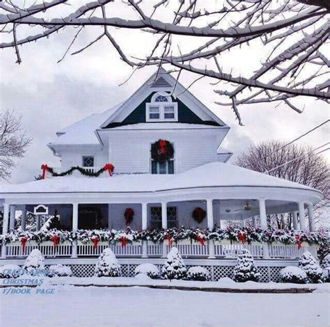 wrap around porch christmas decorations best 20 wrap around porches ideas on front porches southern homes and farmhouse