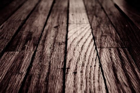 how to clean old hardwood floors the modern housewives how to clean an old hardwood floor