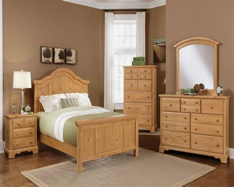 Light Oak Bedroom Furniture Sets Pine Bedroom Ideas Bedroom Decor Bedroom Decorating With Knotty Pine Walls Bedroom