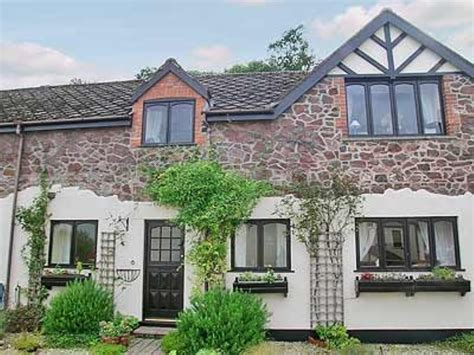 Cottages In Minehead by Dove Cottage In Minehead Selfcatering Travel