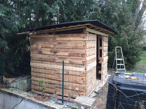Wood Pallet Sheds by Amazing Constructions With Pallets 101 Pallet Ideas