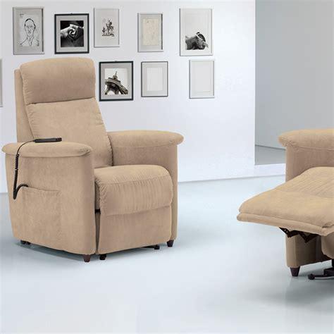 poltrone relax di design poltrona relax alzapersona di design via firenze 2 motori