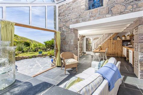 Cottages In Cornwall To Rent By Sea by Castawaysholiday Cottage By The Sea In Sennen Cornwall