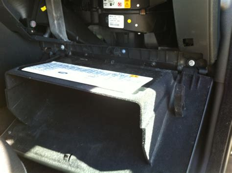 airbag deployment 1995 land rover defender electronic throttle control service manual 2006 land rover lr3 glove box removal