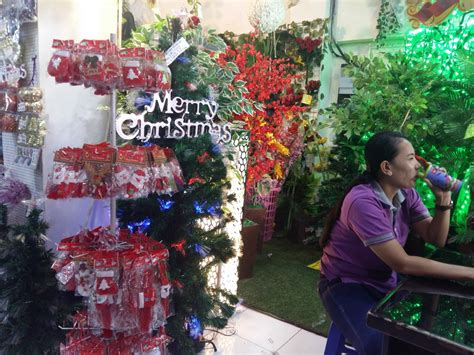 Pernak Pernik Natal Aksesoris Natal Ornamen Natal 09 jelang natal pernak pernik natal di asemka diserbu pembeli