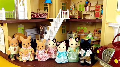 Sylvanian 5181 Tuxedo Cat Family sylvanian families kangaroo family and tuxedo cat family