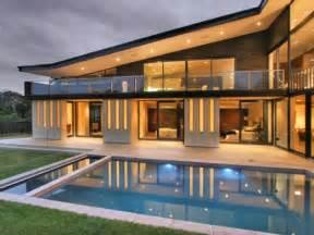 the new modern home modern new zealand glass house frames luxurious features