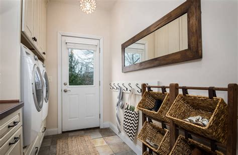 Mud Room Layout by Interior Design Ideas Home Bunch Interior Design Ideas