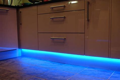 best under counter lighting for kitchens best under cabinet lighting kitchen for the home pinterest