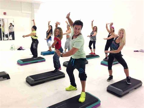 zumba steps with pics descubre el zumba step para adelgazar muy r 225 pido