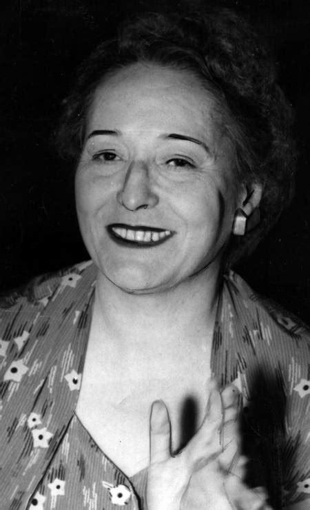 Livro desvenda a história das primeiras-damas do Brasil