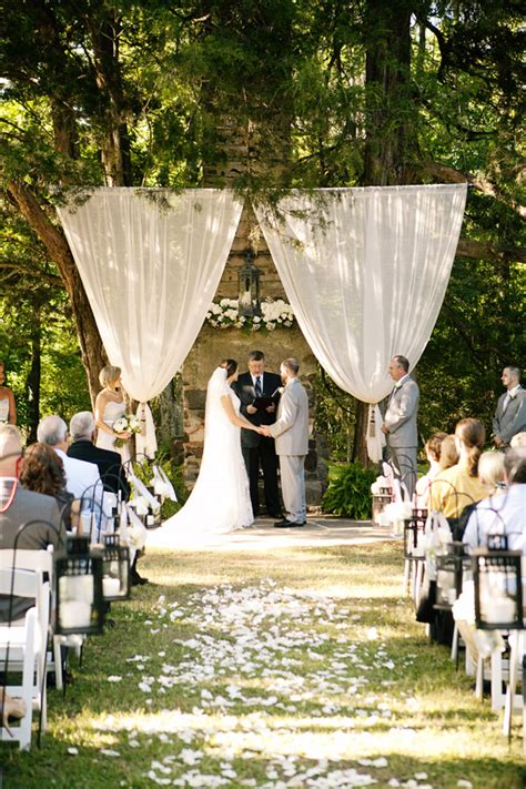 outdoor wedding ceremony ideas 3 it