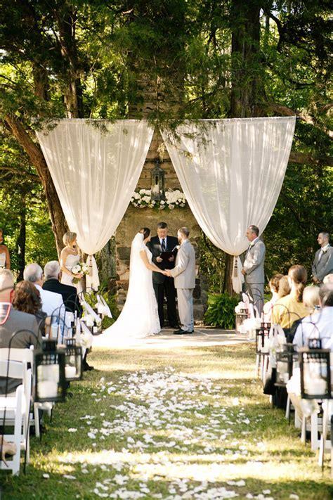 Classic Alabama Wedding with a Chalkboard Photobooth ? Loverly