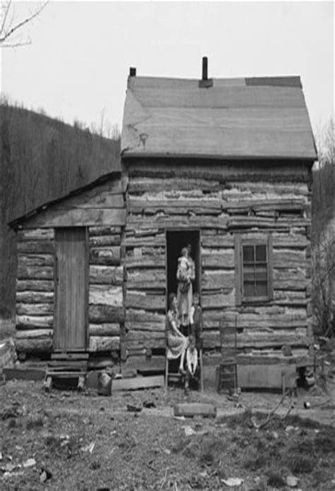 pin by erik huilca on casa pinterest appalachian very old log cabin and it s residents old wood houses