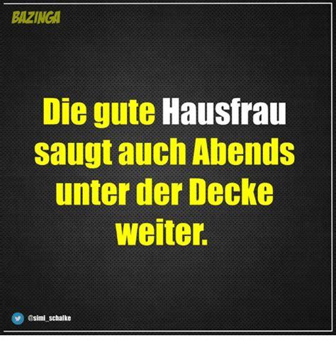 Bettdecke Meme by Bazinga Die Gute Hausfrau Saugt Auch Abends Unter Der
