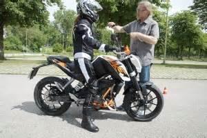 Einsteigermotorrad Mit Abs by Ktm Duke 125 Taugt Sie Als Einsteiger Und