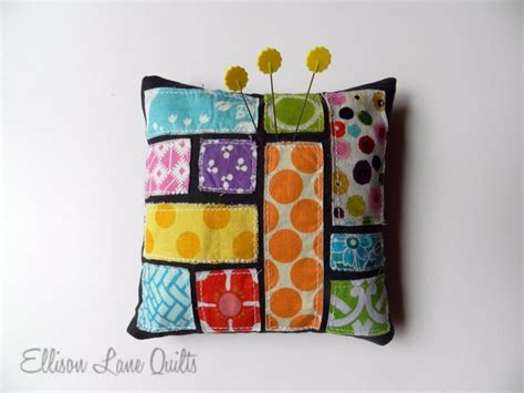 Patchwork Pincushion Pattern - 17 best images about patchwork pincushions on