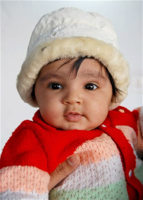 wallpaper girl child babbies wallpapers free download cute kids wallpapers