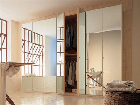 Closet With Mirror by Options For Mirrored Closet Doors Hgtv