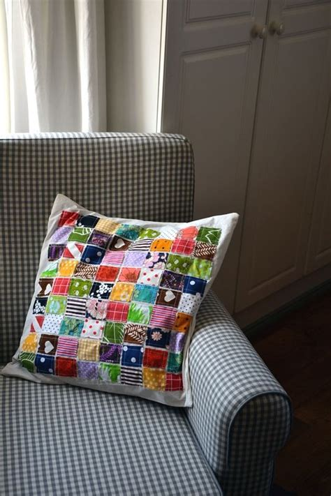 Patchwork Cushion Cover Tutorial - fabric scrap pillow fabric scrap projects