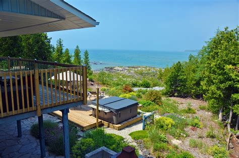 ontario cottage rentals tobermory canam lake house luxury cottage rentals in tobermory on the bruce peninsula