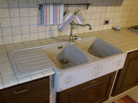 lavello cucina doppia vasca lavello per cucina i lavelli per cucina pi comuni sono i