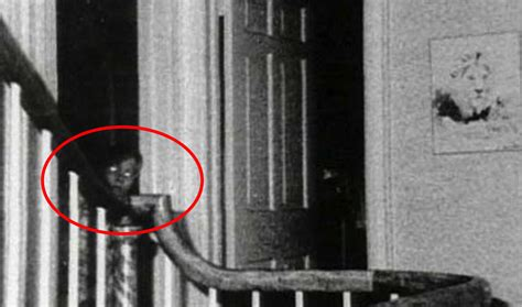17 real scary photographs with the creepiest backstories 15 of the most disturbing pictures that will haunt you