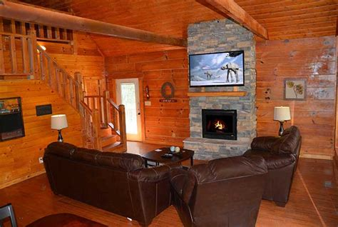 5 bedroom cabins in pigeon forge pigeon forge cabin river s edge retreat 5 bedroom