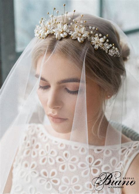 Best 25  Bridal crown ideas on Pinterest   Wreath wedding