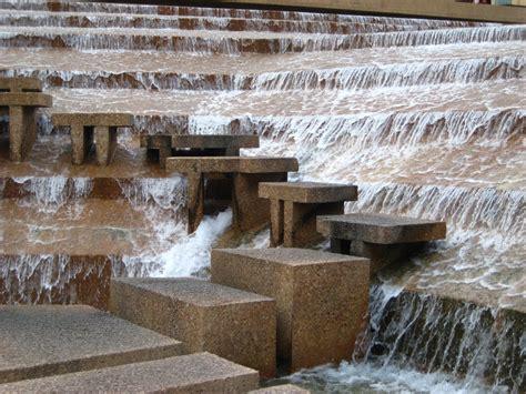 fort worth water gardens philip johnson burgee